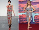 Hillary Scott In L'Wren Scott & Alexander McQueen - 2014 CMT Music Awards