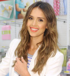 Get The Look: Jessica Alba's Beachy Waves for The Honest Company at Target Launch