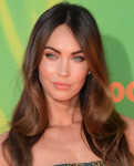 Get The Look: Megan Fox's Nickelodeon Kids' Choice Sports Awards Flawless Makeup