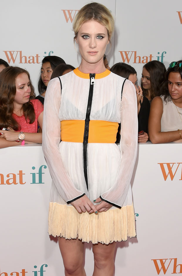 Mackenzie Davis in Louis Vuitton