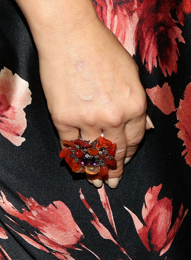 Ali Larter 's ring