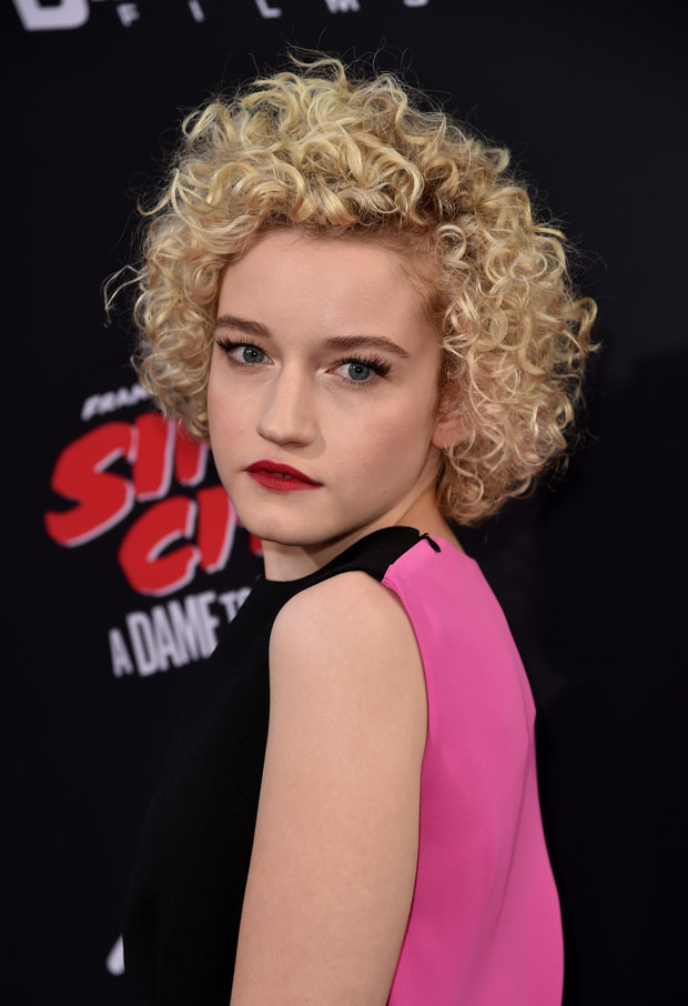 Julia Garner in Balenciaga