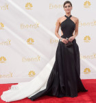 Lizzy Caplan In Donna Karan Atelier - 2014 Emmy Awards