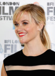 Reese Witherspoon in Giambattista Valli