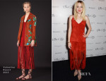 Dakota Fanning In Valentino - 'Effie Gray' World Premiere