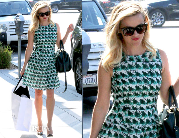 Reese Witherspoon In Tanya Taylor - Sandro Paris Store