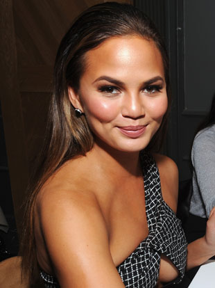 Chrissy Teigen Hosts Shutterfly's Wine, Dine And D.I.Y. Design Holiday Event