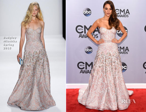 Jana Kramer In Badgley Mischka - 2014 CMA Awards