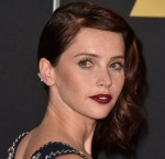 Get The Look: Felicity Jones' Classic Hollywood Glam With A Punk Twist Do