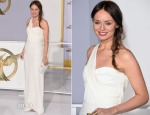 Laura Haddock In Burberry - 'The Hunger Games Mockingjay – Part 1′ LA Premiere