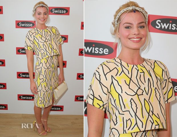 Margot Robbie In Ellery - Stakes Day