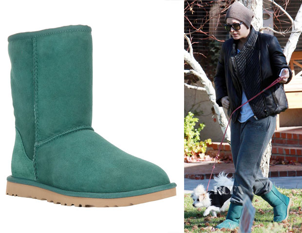 Kaley Cuoco's Ugg Australia 'Classic Short' Boot