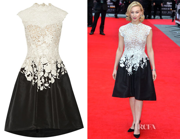 Sarah Gadon's Oscar de la Renta Embroidered lace and faille dress