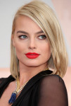 Get The Look: Margot Robbie's Fiery Beauty Look at the 2015 Oscars