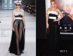 Margot Robbie In Giambattista Valli Couture - 'Focus' LA Premiere