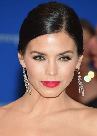 Get The Look: Jenna Dewan-Tatum WHCD Bold Matte Red Lip