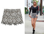 Taylor Swift's Alice + Olivia 'Guipure' Lace Shorts