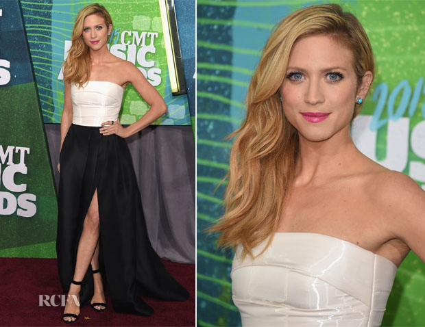 Brittany Snow In Monique Lhuillier - CMT Music Awards