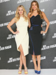 Reese Witherspoon In Mugler & Sofia Vergara In Antonio Berardi – 'Hot Pursuit' Mexico Photocall