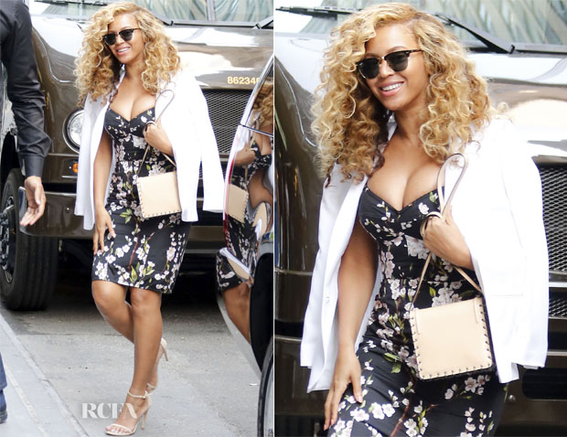 Beyonce Knowles In Dolce & Gabbana - Out In New York City