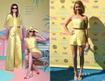 Sarah Hyland In Christian Siriano - 2015 Teen Choice Awards