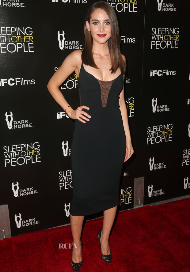 HOLLYWOOD, CA - SEPTEMBER 09:  Actress Alison Brie attends the premiere of IFC Films' 'Sleeping With Other People' at ArcLight Cinemas on September 9, 2015 in Hollywood, California.  (Photo by Imeh Akpanudosen/Getty Images)