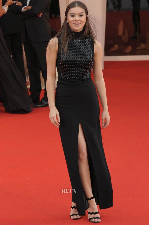 Hailee Steinfeld In David Koma - 'Black Mass' Venice Film Festival Premiere