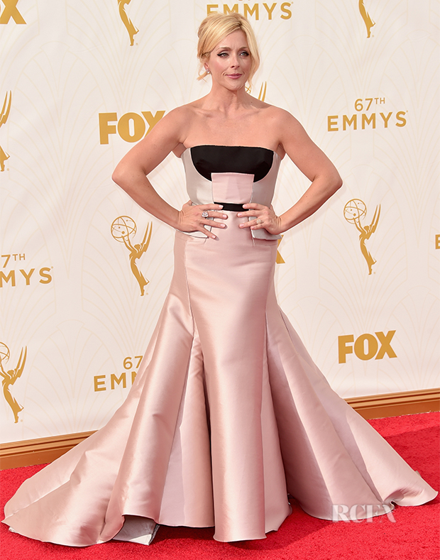 LOS ANGELES, CA - SEPTEMBER 20: Actress Jane Krakowski attends the 67th Emmy Awards at Microsoft Theater on September 20, 2015 in Los Angeles, California. 25720_001 (Photo by Alberto E. Rodriguez/Getty Images for TNT LA)