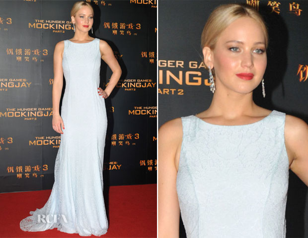 Jennifer Lawrence In Christian Dior Couture - 'The Hunger Games Mockingjay Part 2' Beijing Premiere