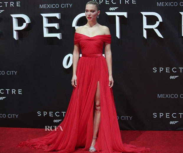 MEXICO CITY, MEXICO - NOVEMBER 02: French actress Lea Seydoux poses for pictures during the red carpet of the 'Spectre' film premiere at Auditorio Nacional on November 02, 2015 in Mexico City, Mexico. (Photo by Hector Vivas/LatinContent/Getty Images)