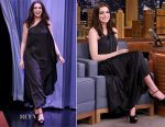 Anne Hathaway In Vintage Halston - The Tonight Show Starring Jimmy Fallon