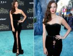 Kaya Scodelario In Dolce & Gabbana - 'Pirates Of The Caribbean: Dead Men Tell No Tales' LA Premiere
