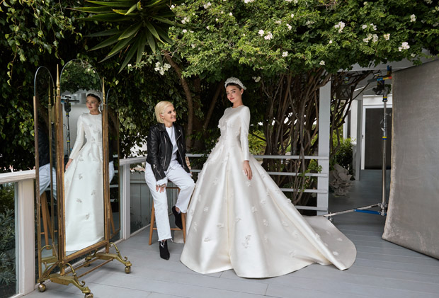 Miranda Kerr Weds Evan Spiegel In Christian Dior Haute Couture Red