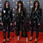 Actors & Actresses wear the same suit at the 2018 Feroz Awards