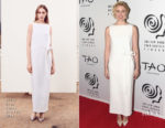 Greta Gerwig In Oscar de la Renta - 2017 New York Film Critics Awards
