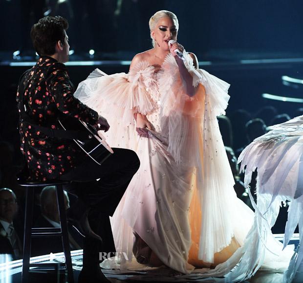 Lady Gaga In Armani Privé – 2018 Grammy Awards Performance ...