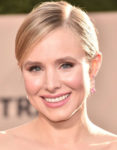 Get The Look: Kristen Bell's SAG Awards Plum-Toned Smokey Beauty
