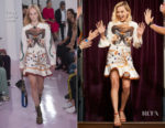 Margot Robbie In Chloe -  The Late Late Show with James Corden