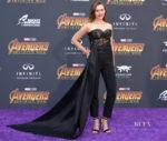 Elizabeth Olsen In Oscar de la Renta - 'Avengers: Infinity War' LA Premiere