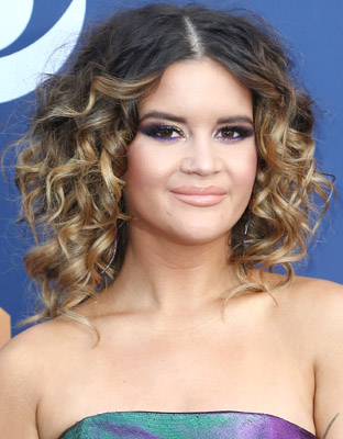 Get The Look: Maren Morris' Molten Metallic ACM Awards Beauty Look