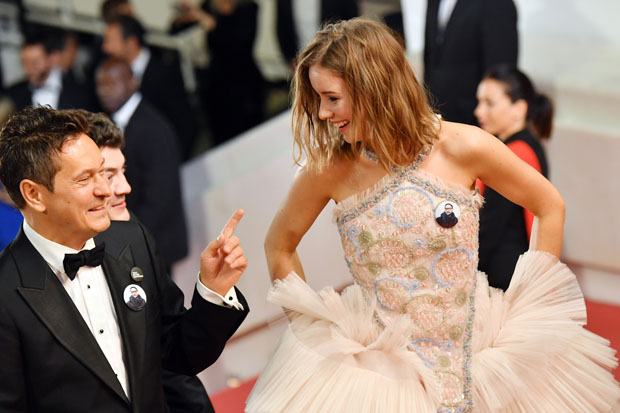 Irina Starshenbaum In Chanel Couture Leto Cannes Film Festival Premiere Red Carpet Fashion Awards 1,131 likes · 9 talking about this.