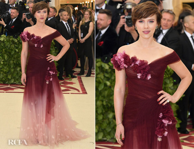 809624f4 Like Nicki Minaj, Scarlett Johansson was also clad in a red ombré gown at  the 2018 Met Gala on Monday evening (May 7) in New York City.