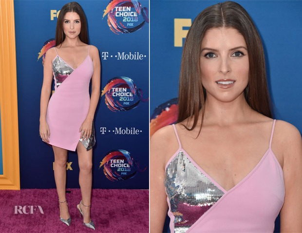 Anna Kendrick In David Koma - 2018 Teen Choice Awards