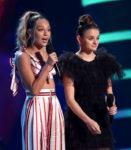 Joey King In Lei Lou - 2018 Teen Choice Awards
