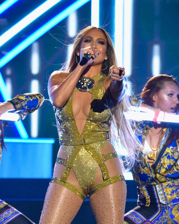 Jennifer Lopez's MTV VMAs Atelier Versace Extravaganza