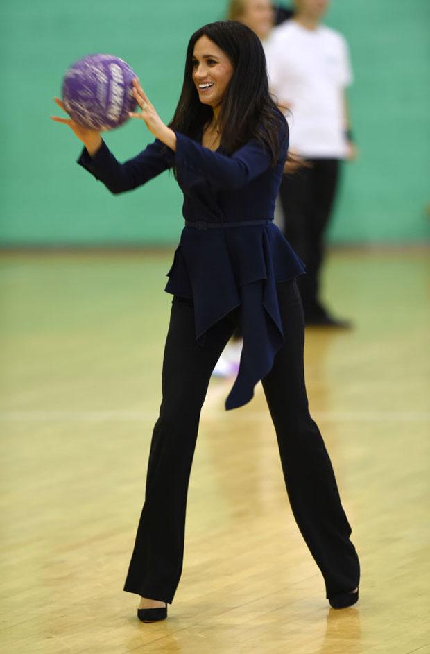 Meghan, Duchess of Sussex In Oscar de la Renta - Coach Core Awards