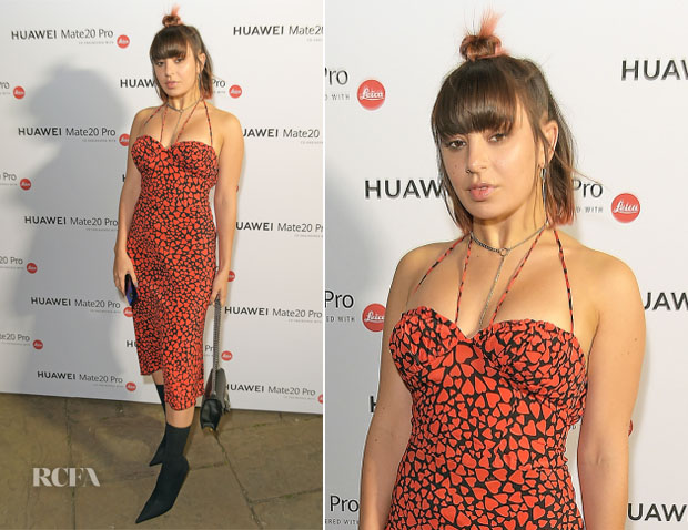Charli XCX In Realisation Par - Huawei Mate 20 Pro Launch
