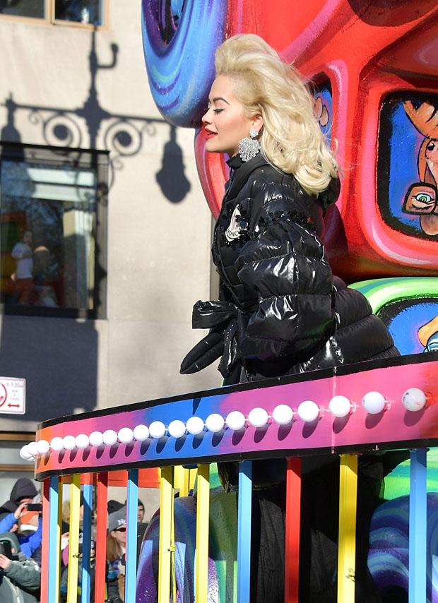 Rita Ora In Moncler 4 Simone Rocha - 2018 Macy's Thanksgiving Day Parade