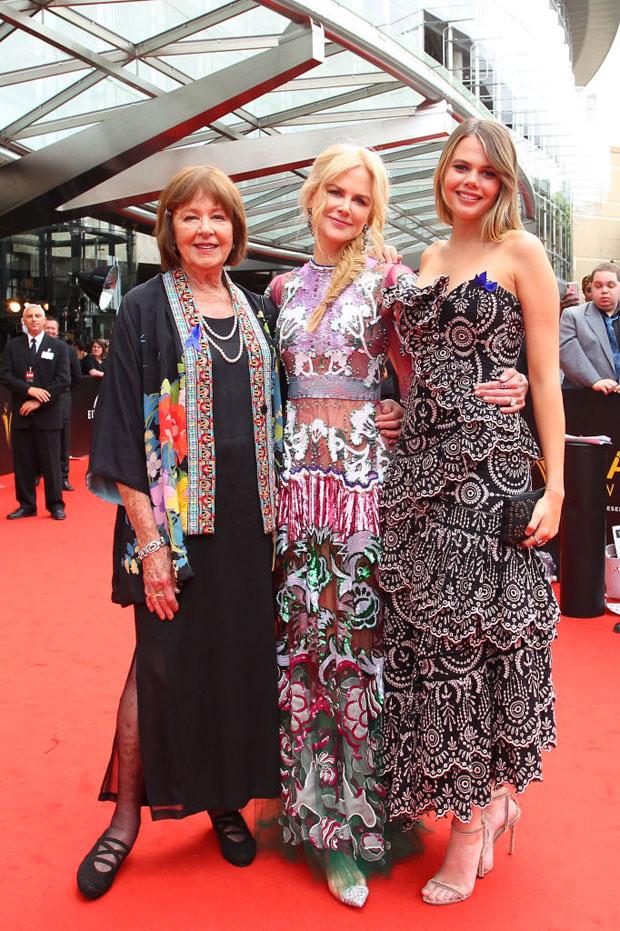 Fashion Blogger Catherine Kallon feature the Nicole Kidman In Valentino - 2018 AACTA Awards