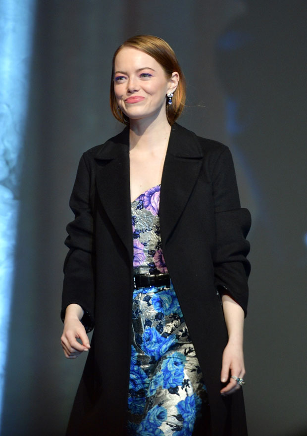 Fashion Blogger Catherine Kallon features Emma Stone In Louis Vuitton - 2019 Palm Springs International Film Festival Gala